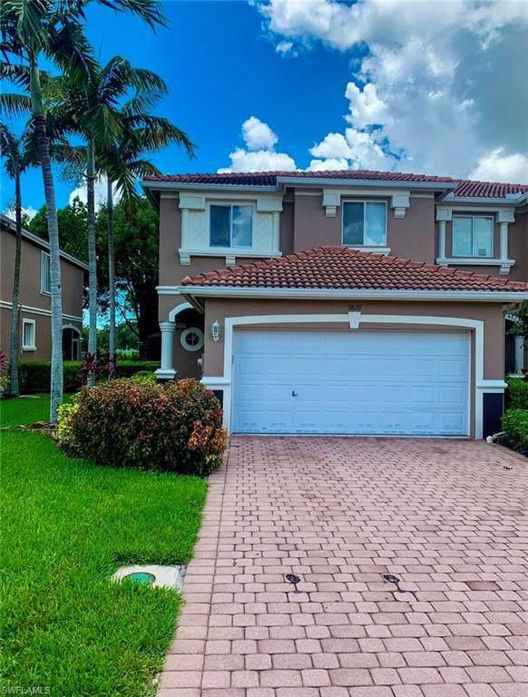 9829 Roundstone Cir, Fort Myers, FL 33967 (#221054334) :: We Talk SWFL