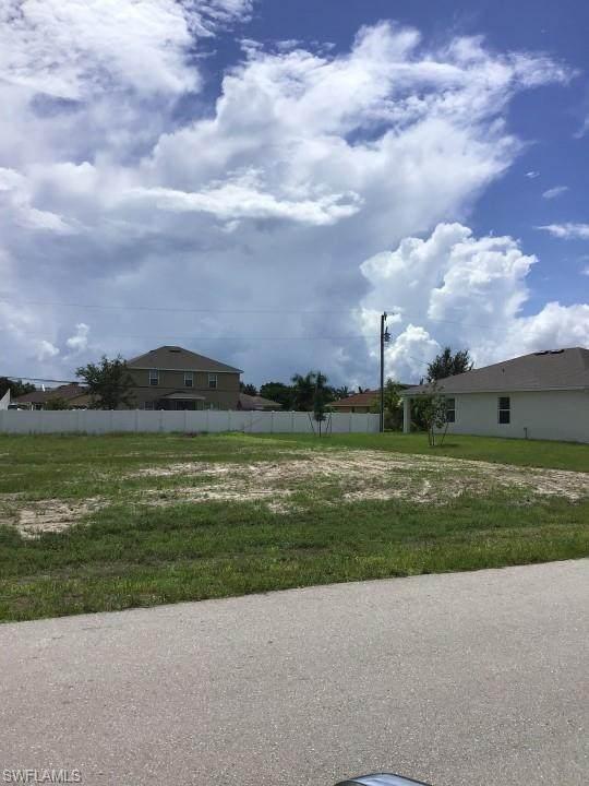 4611 SW 9th Pl, Cape Coral, FL 33914 (MLS #221055304) :: Clausen Properties, Inc.
