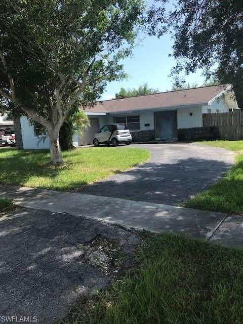 3411 Corana Way, Naples, FL 34105 (#221055736) :: Equity Realty