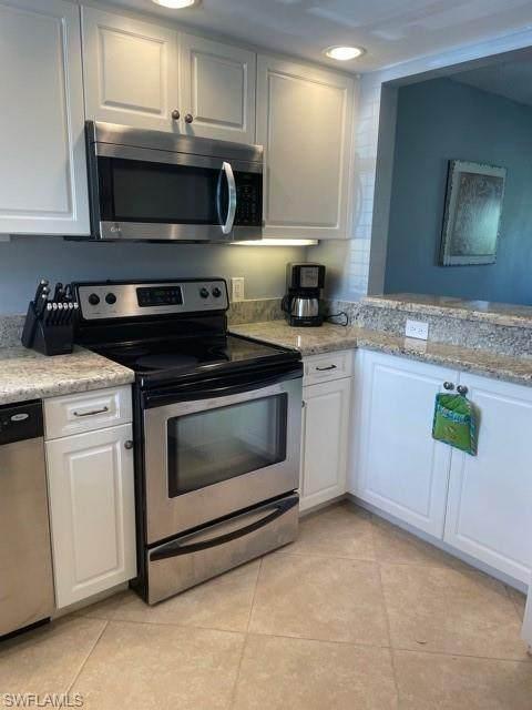 180 Turtle Lake Ct #110, Naples, FL 34105 (#221055981) :: The Dellatorè Real Estate Group