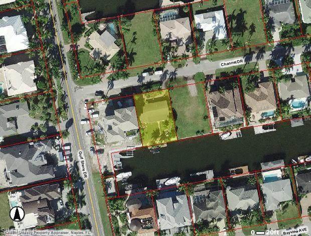 108 Channel Dr, Naples, FL 34108 (MLS #221061614) :: Clausen Properties, Inc.
