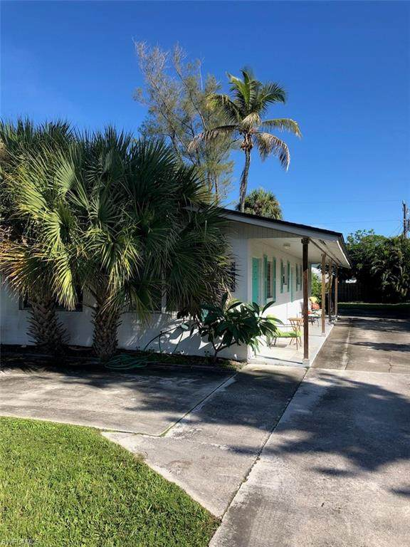 853 91st Ave N, Naples, FL 34108 (MLS #221067790) :: Realty One Group Connections