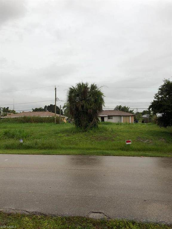 17469/471 Dumont Dr, Fort Myers, FL 33967 (MLS #221067806) :: Team Swanbeck