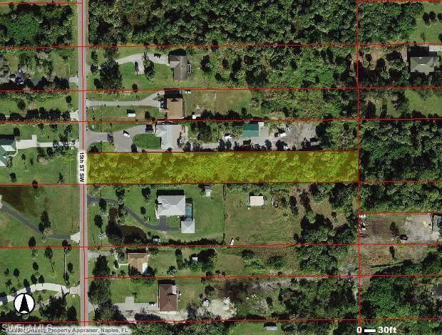 1040 15th St SW, Naples, FL 34117 (#221068762) :: Earls / Lappin Team at John R. Wood Properties