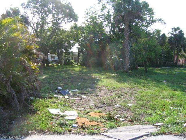1861 Lillie St, Fort Myers, FL 33916 (#221071057) :: Equity Realty