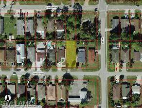 789 109th Ave N, Naples, FL 34108 (MLS #221073876) :: #1 Real Estate Services