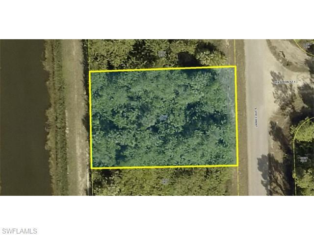 472 Labree Ave S, Lehigh Acres, FL 33974 (#215022107) :: Homes and Land Brokers, Inc