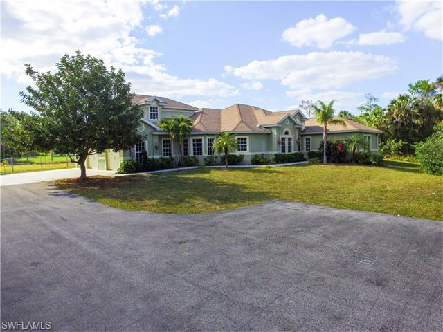 1181 23rd St SW, Naples, FL 34117 (#215068732) :: Homes and Land Brokers, Inc