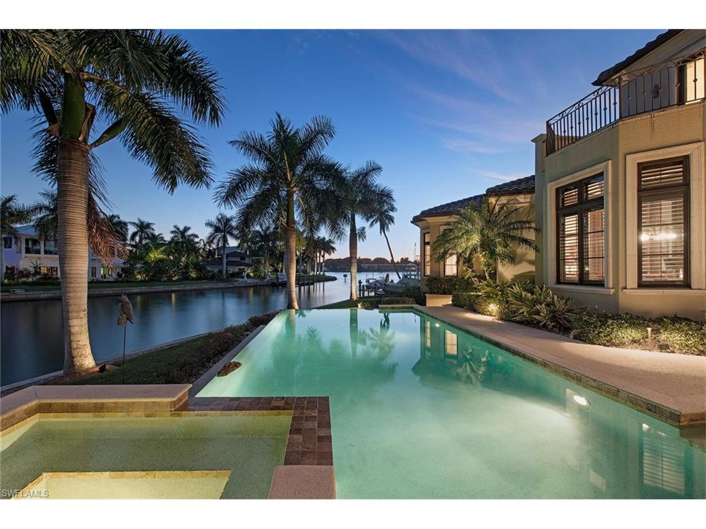2390 Kingfish Rd, Naples, FL 34102 (MLS #215070794) :: The New Home Spot, Inc.