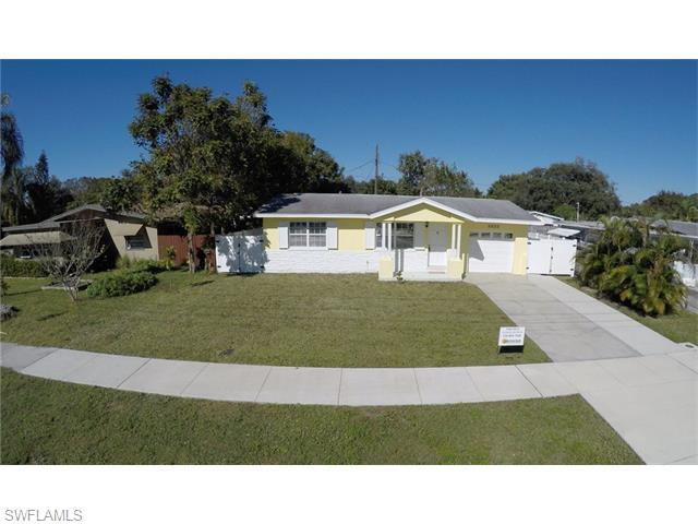 1813 Oakley Ave, Fort Myers, FL 33901 (#216002160) :: Homes and Land Brokers, Inc