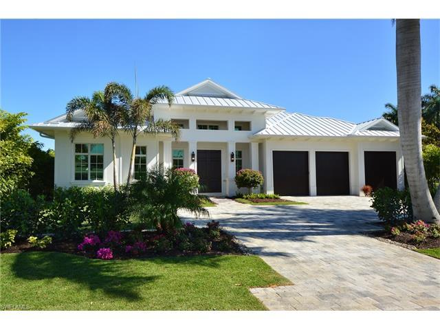 615 Wedge Dr, Naples, FL 34103 (#216011218) :: Homes and Land Brokers, Inc