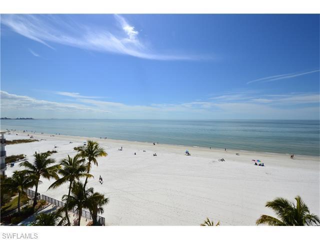 2560 Estero Blvd 6A, Fort Myers Beach, FL 33931 (MLS #216015248) :: The New Home Spot, Inc.
