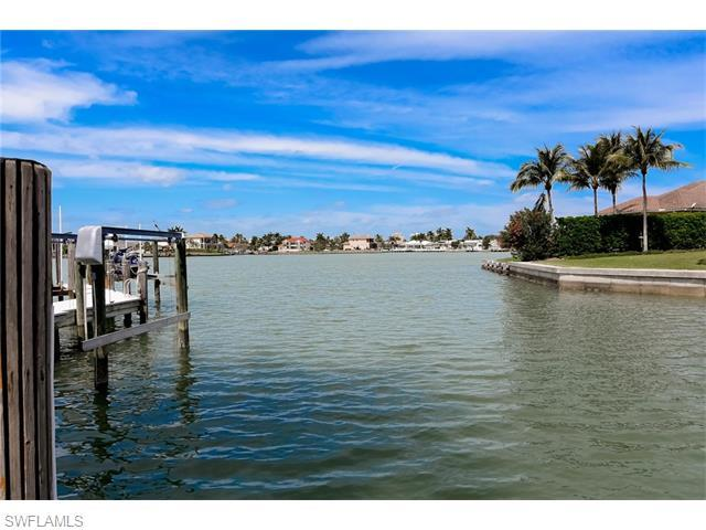 1370 Salvadore Ct, Marco Island, FL 34145 (MLS #216021198) :: The New Home Spot, Inc.