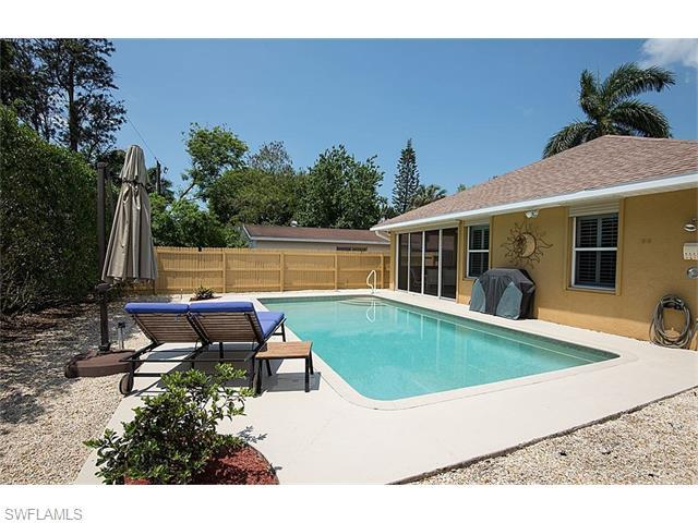 784 104th Ave N, Naples, FL 34108 (#216025311) :: Homes and Land Brokers, Inc