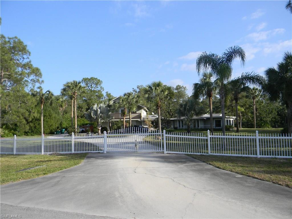 731 18th Ave NE, Naples, FL 34120 (MLS #216027375) :: The New Home Spot, Inc.
