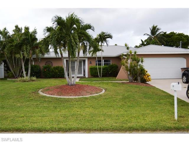 3708 SE 18th Ave, Cape Coral, FL 33904 (#216027385) :: Homes and Land Brokers, Inc