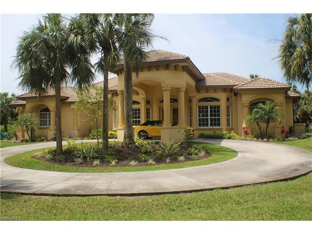 935 31st St SW, Naples, FL 34117 (MLS #216028047) :: The New Home Spot, Inc.