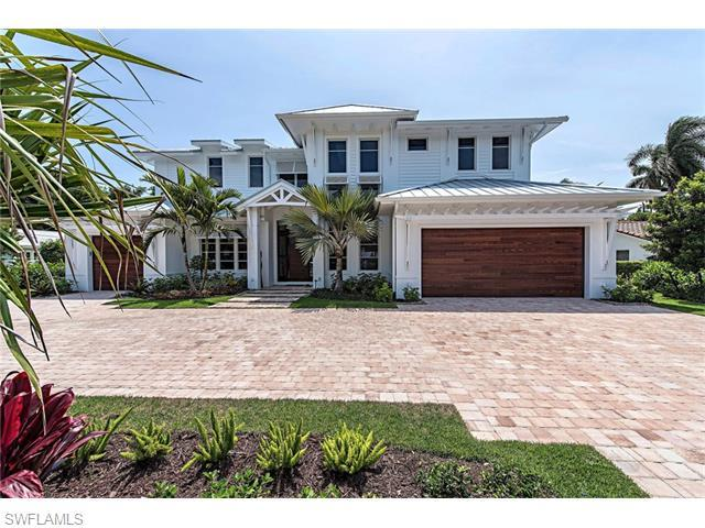 2525 Crayton Rd, Naples, FL 34103 (MLS #216029396) :: The New Home Spot, Inc.