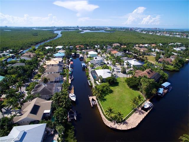 17861 Grey Heron Ct, Fort Myers Beach, FL 33931 (MLS #216032480) :: The New Home Spot, Inc.