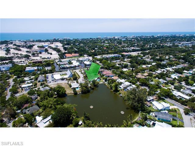1070 11th St N, Naples, FL 34102 (#216033232) :: Homes and Land Brokers, Inc