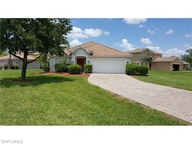2837 Amberwood Ln, Naples, FL 34120 (MLS #216037187) :: The New Home Spot, Inc.