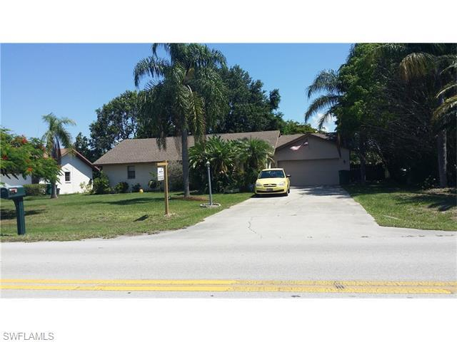 1327 Piper Blvd, Naples, FL 34110 (#216038815) :: Homes and Land Brokers, Inc