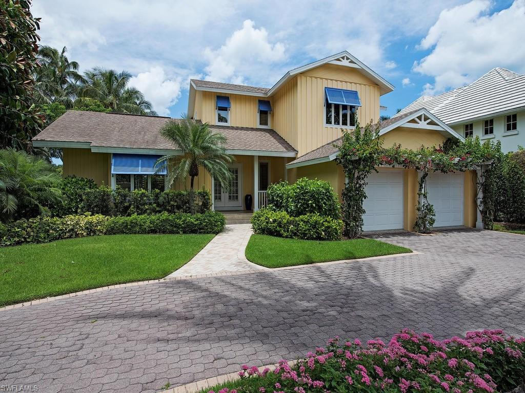 1770 4th St S, Naples, FL 34102 (#216040962) :: Homes and Land Brokers, Inc