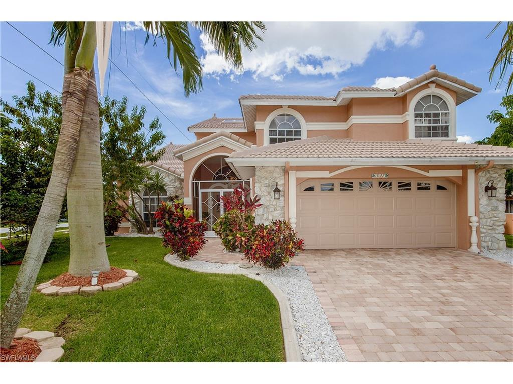 1927 SW 31st Ter, Cape Coral, FL 33914 (MLS #216041109) :: The New Home Spot, Inc.