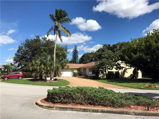 175 Pebble Beach Blvd, Naples, FL 34113 (MLS #216041402) :: The New Home Spot, Inc.