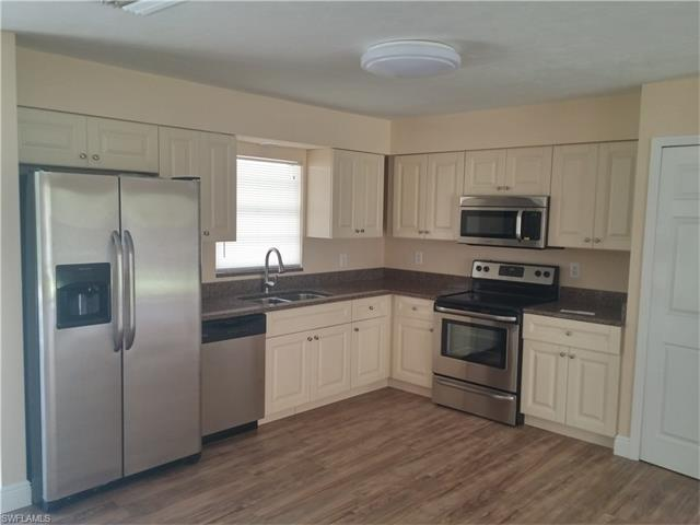 485 2nd St SE, Naples, FL 34117 (MLS #216042751) :: The New Home Spot, Inc.