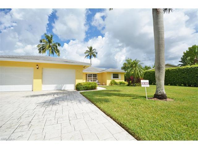 467 Connors Ave, Naples, FL 34108 (#216044536) :: Homes and Land Brokers, Inc