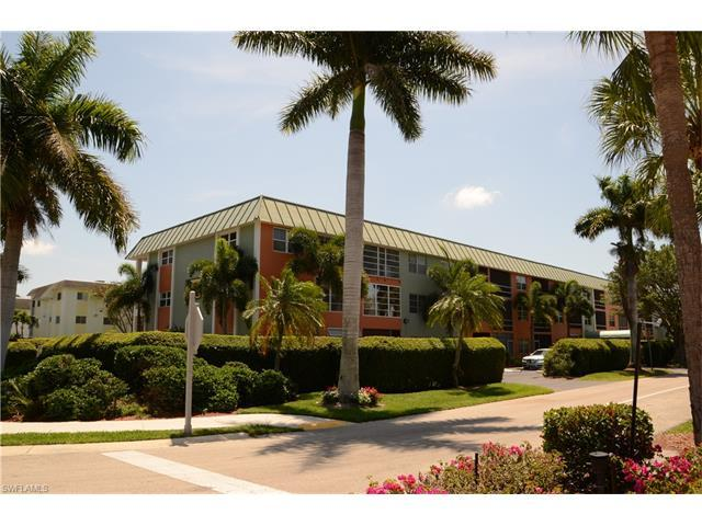 72 7TH St S #308, Naples, FL 34102 (MLS #216044701) :: The New Home Spot, Inc.