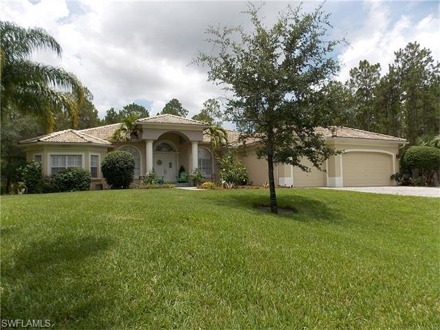 562 14th St SE, Naples, FL 34117 (MLS #216045120) :: The New Home Spot, Inc.