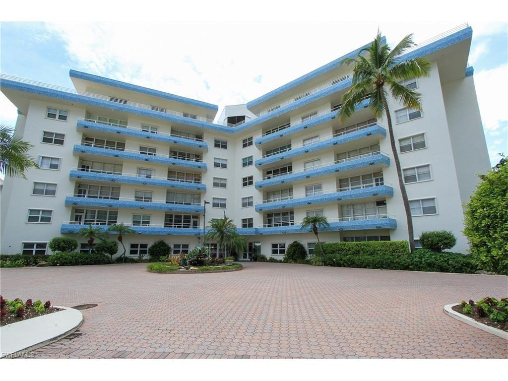220 Seaview Ct #105, Marco Island, FL 34145 (MLS #216046302) :: The New Home Spot, Inc.