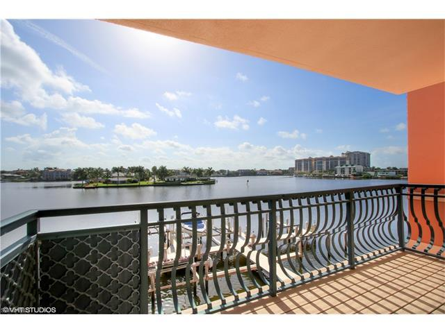 9400 Gulf Shore Dr #4, Naples, FL 34108 (MLS #216047412) :: The New Home Spot, Inc.