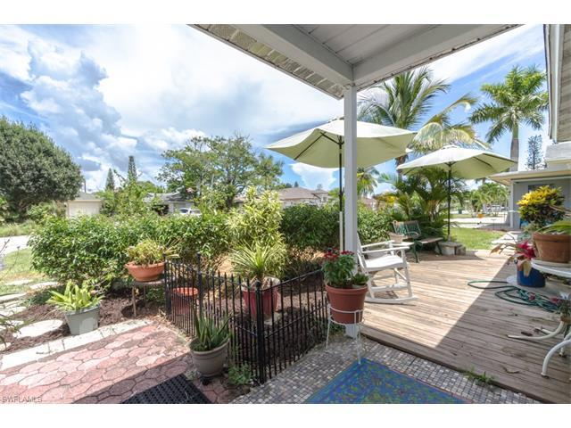 710 101st Ave N, Naples, FL 34108 (#216048213) :: Homes and Land Brokers, Inc