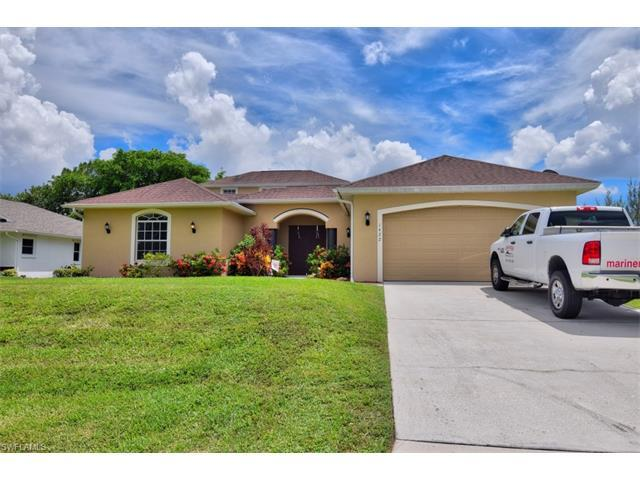 1422 SW 18th St, Cape Coral, FL 33991 (MLS #216048849) :: The New Home Spot, Inc.