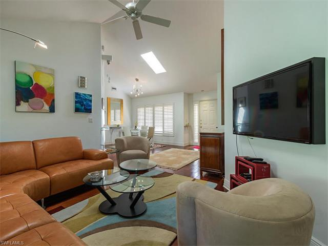 720 Reef Point Cir, Naples, FL 34108 (#216053245) :: Homes and Land Brokers, Inc