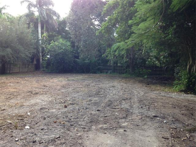 1086 Michigan Ave, Naples, FL 34103 (#216053836) :: Homes and Land Brokers, Inc