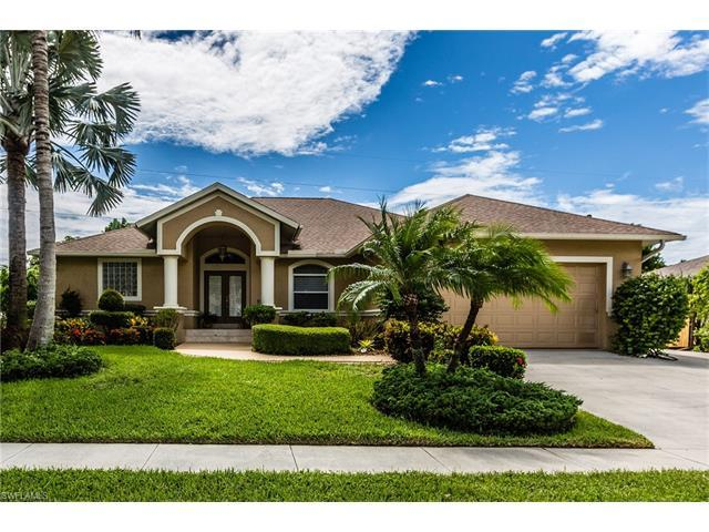 152 Leland Way, Marco Island, FL 34145 (MLS #216053990) :: The New Home Spot, Inc.