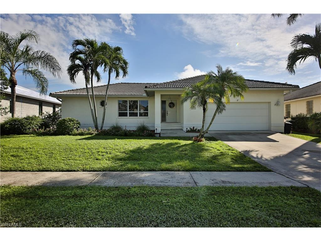 239 Seminole Ct, Marco Island, FL 34145 (#216057280) :: Homes and Land Brokers, Inc