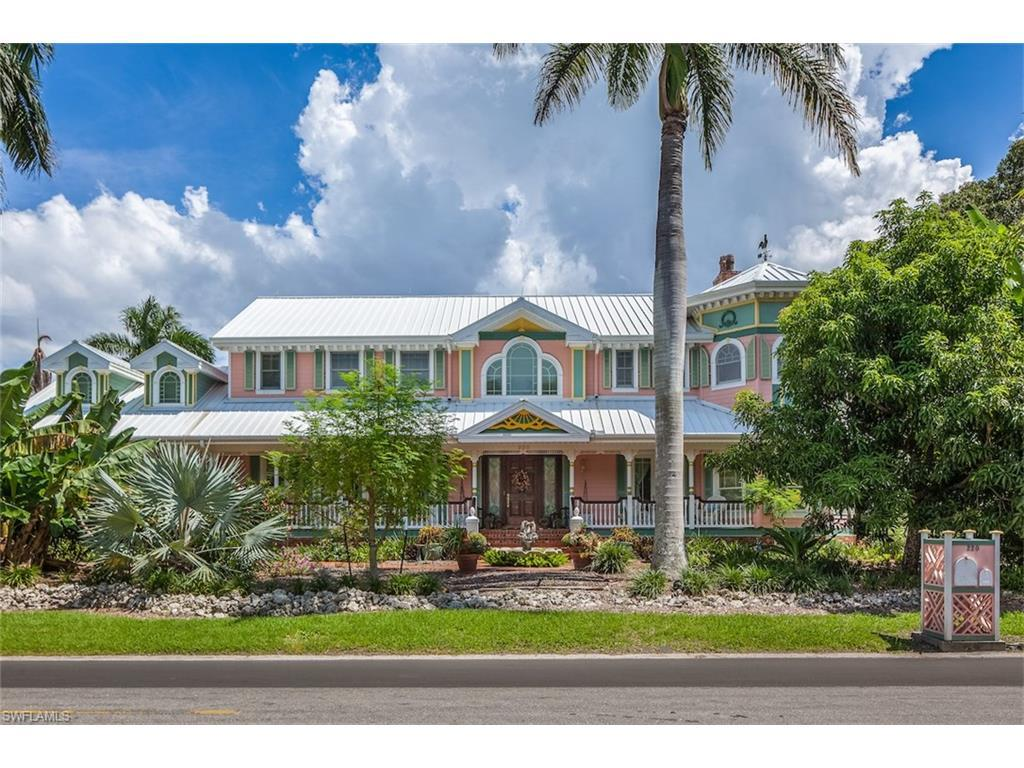 220 Gulf Shore Blvd N, Naples, FL 34102 (#216057585) :: Homes and Land Brokers, Inc