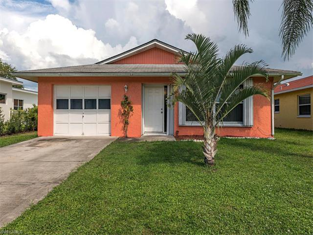 10022 Vanderbilt Dr, Naples, FL 34108 (MLS #216057752) :: The New Home Spot, Inc.