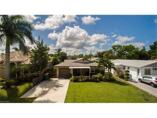 676 94th Ave N, Naples, FL 34108 (MLS #216059591) :: The New Home Spot, Inc.