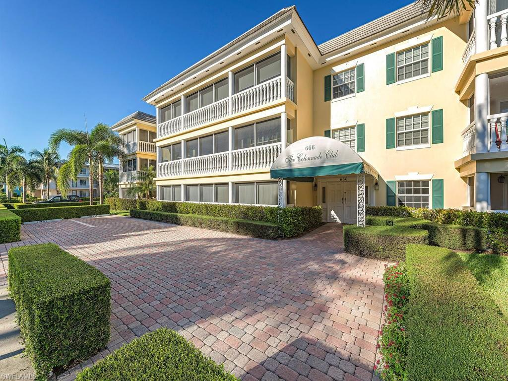 666 3rd St S #304, Naples, FL 34102 (#216059655) :: Homes and Land Brokers, Inc