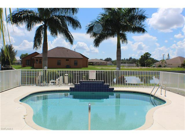 402 SW 3rd St #201, Cape Coral, FL 33991 (#216060033) :: Homes and Land Brokers, Inc