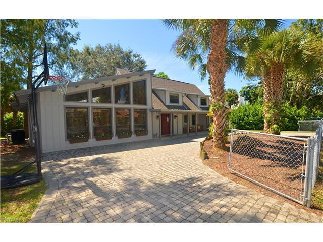 782 97th Ave N, Naples, FL 34108 (MLS #216060558) :: The New Home Spot, Inc.