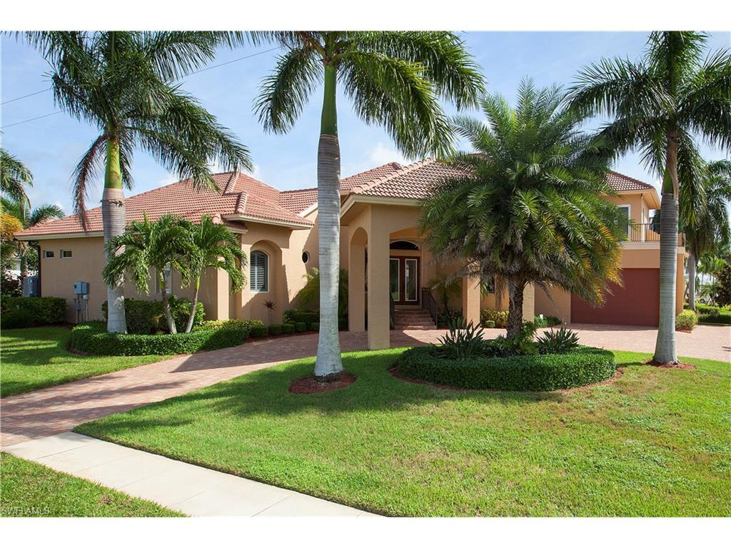 901 Hyacinth Ct, Marco Island, FL 34145 (MLS #216063547) :: The New Home Spot, Inc.