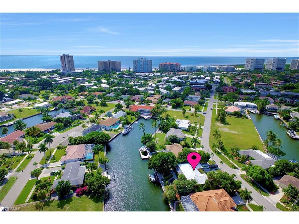 829 Saturn Ct, Marco Island, FL 34145 (MLS #216064981) :: The New Home Spot, Inc.