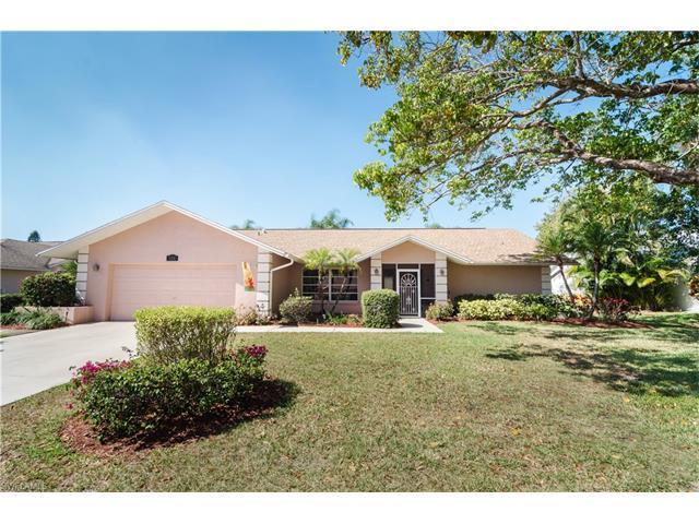 939 Saint Andrews Blvd, Naples, FL 34113 (MLS #217006831) :: The New Home Spot, Inc.